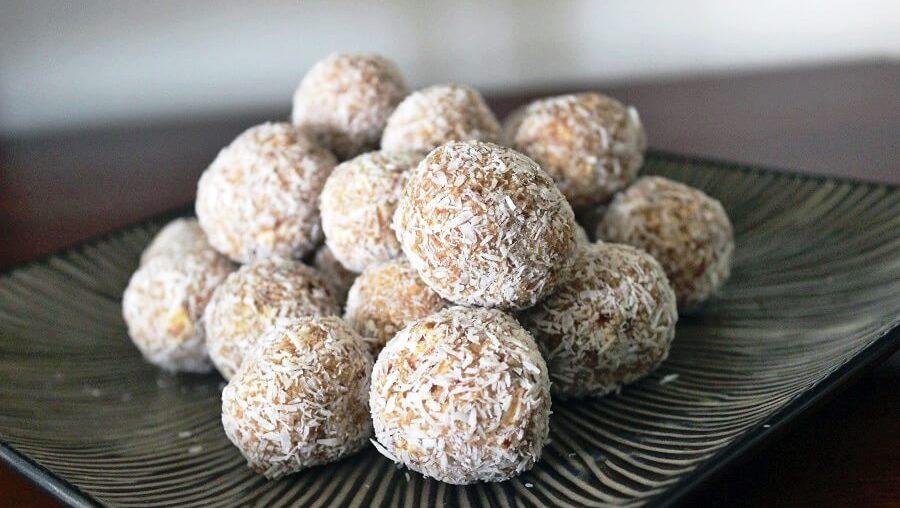 Snacks: Bliss Balls