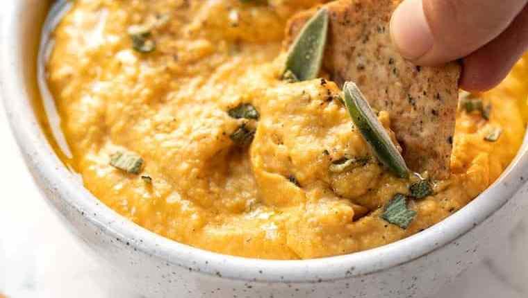 Snacks: Creamy Pumpkin Hummus